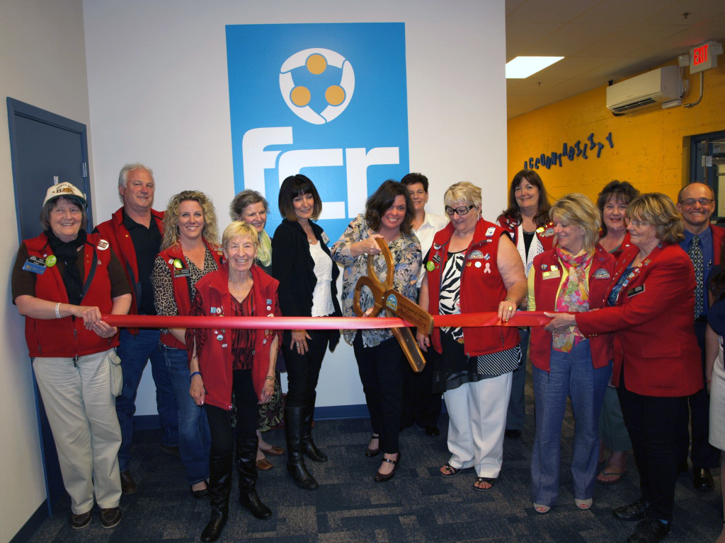 Coos-Bay-Ribbon-Cutting